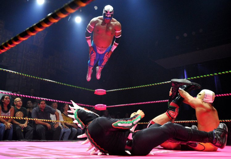 flying_luchadores.jpg